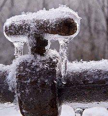 frozen-pipes-winter-plumbing